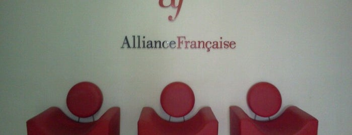 Aliança Francesa is one of Posti che sono piaciuti a Sandra.