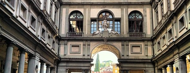 Piazzale degli Uffizi is one of Firenze.