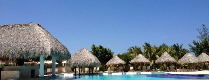 Cocotal Palma Real is one of Tempat yang Disukai Claudio.