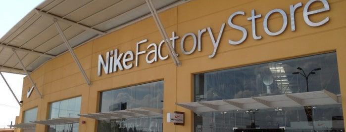 Nike Factory Store is one of สถานที่ที่บันทึกไว้ของ Yare.