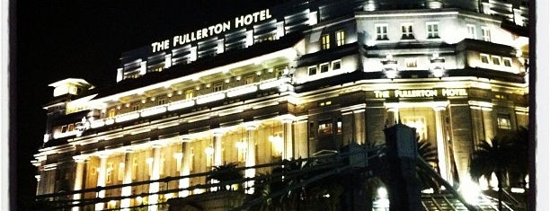 The Fullerton Hotel is one of Singapore/シンガポール.
