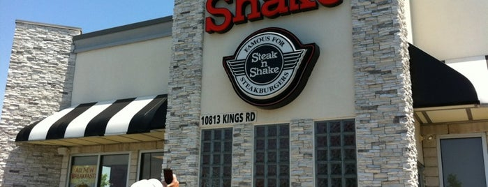 Steak 'n Shake is one of Lugares favoritos de Heather.