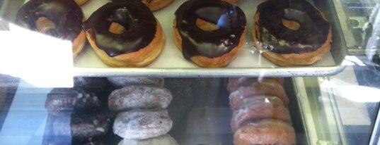 Coffee An' Donut Shop is one of Weekend Getaway.