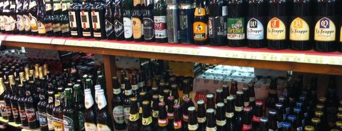 Supermercado do Frade is one of สถานที่ที่ Camila ถูกใจ.