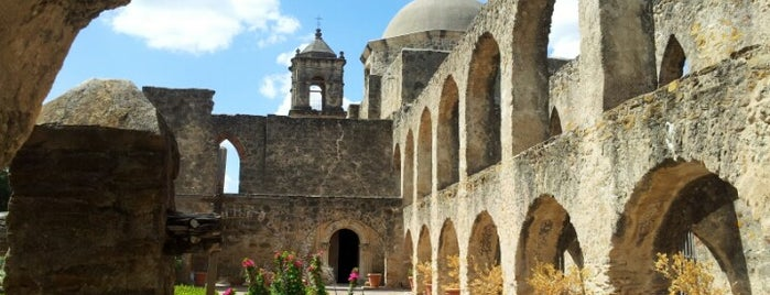 Mission San José & Visitor Center is one of Places To Visit In Houston.