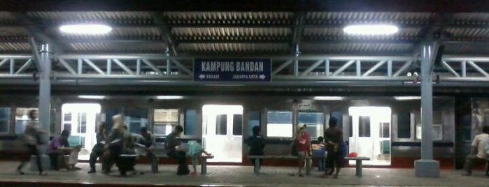 Stasiun Kampung Bandan is one of My Places :).
