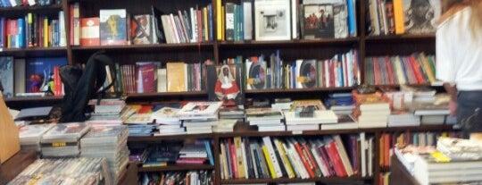 Livraria da Travessa is one of Lugares guardados de Luciana.