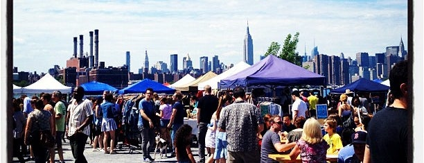 Brooklyn Flea - Williamsburg is one of Locais salvos de Paula.