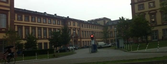 Schloss Mannheim is one of 100 обекта - Германия.