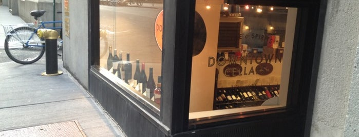 Simply Wine is one of Orte, die sarah gefallen.
