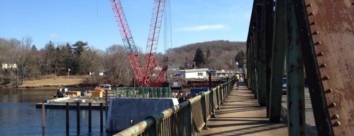 Groveland Bridge is one of Massachusetts.
