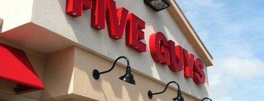 Five Guys is one of Lindsaye 님이 좋아한 장소.