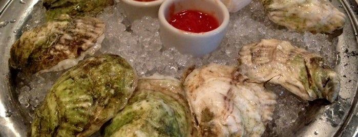 Johnny's Half Shell is one of District of Oysters.