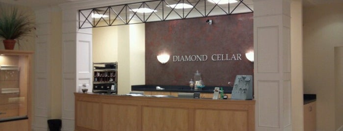 The Diamond Cellar is one of Lisa 님이 좋아한 장소.