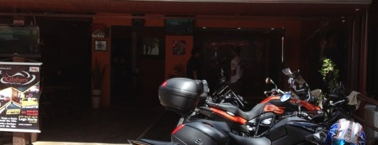 Kalabara Moto Bar is one of Lugares favoritos de Katy.