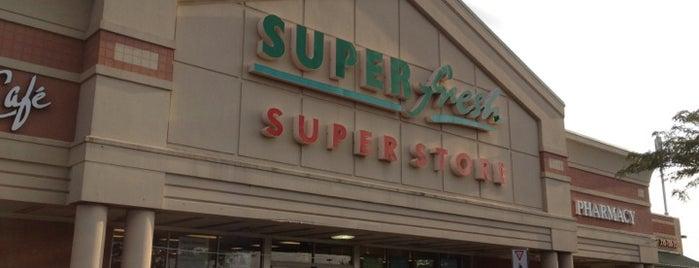 SuperFresh is one of Tempat yang Disukai Glen.