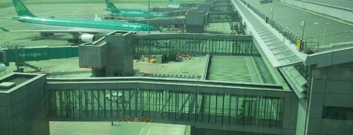 Dublin Airport (DUB) is one of Lieux qui ont plu à Will.