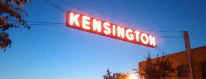 Kensington Sign is one of Orte, die Sergio M. 🇲🇽🇧🇷🇱🇷 gefallen.