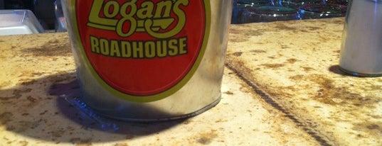 Logan's Roadhouse is one of Lisa : понравившиеся места.