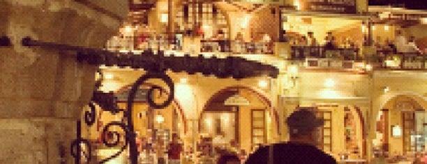 Domus Hotel is one of Locais curtidos por King.