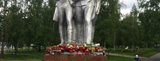 Памятник народным ополченцам Москвы is one of Tempat yang Disukai Ilya.