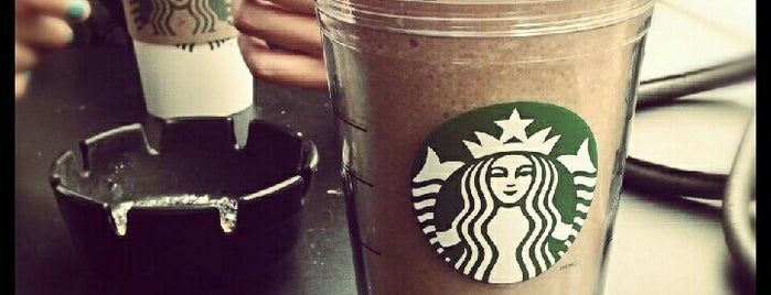 Starbucks is one of Lugares favoritos de Maru.