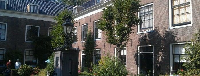 Hodshon-Dedelhofje is one of Amsterdam.