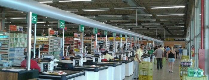Supermercado Coelho Diniz is one of Lugares favoritos de R.