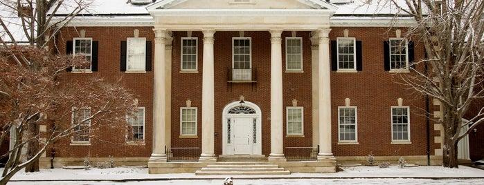 Kentucky Museum is one of Orte, die Matt gefallen.