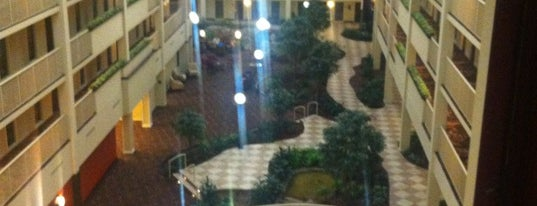 Embassy Suites by Hilton is one of Lugares favoritos de Kyle.