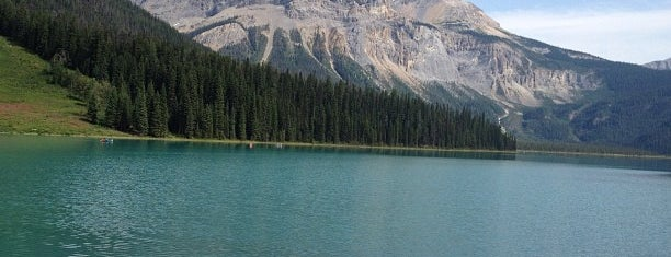 Emerald Lake is one of Locais curtidos por Alled.