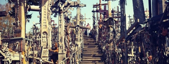 Kryžių kalnas | Hill of Crosses is one of Lugares favoritos de Carl.