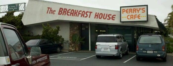 Perry's Cafe is one of Deborrah'ın Kaydettiği Mekanlar.