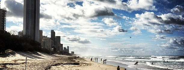 Surfers Paradise Beach is one of أستراليا.