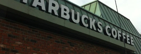 Starbucks is one of Lugares favoritos de Lindsaye.