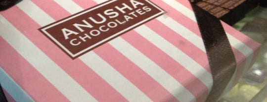 Anusha Chocolates Café is one of Docerias/Sobremesas.