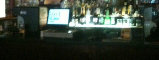 Roger Brown's Restaurant & Sports Bar is one of Lieux sauvegardés par Jason.