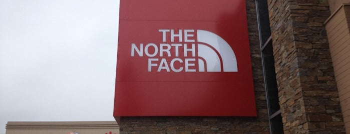 The North Face is one of Posti che sono piaciuti a Brenda.