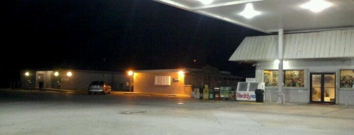 Miccosukee Service Plaza is one of สถานที่ที่ Sarah ถูกใจ.