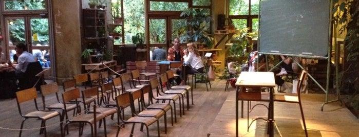 Le Comptoir Général is one of Cafés et bars.