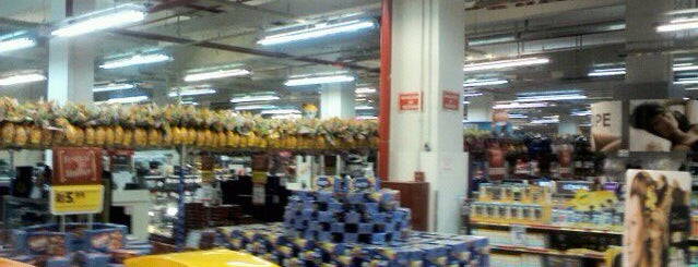 Lojas Americanas is one of Shopping,Lojas e Supermercados.