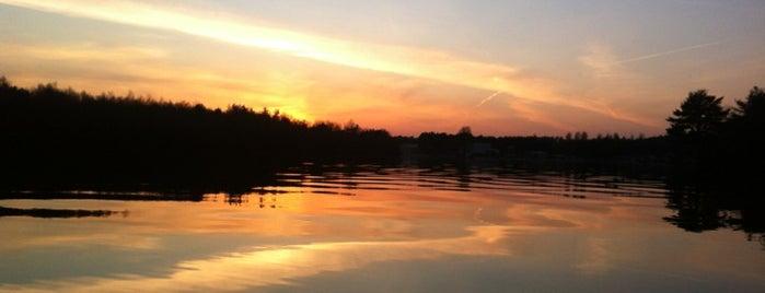 Hawley Lake is one of Lugares favoritos de Del.