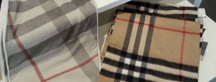 Burberry is one of cose manco a roma!.