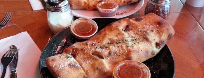 Ray's Pizzaria is one of สถานที่ที่บันทึกไว้ของ Raul.