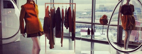 The Glass Houses is one of NY Fashion Weeks 7-14 Feb 2013 (inactive).