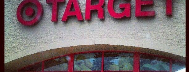 Target is one of สถานที่ที่ Lindsaye ถูกใจ.