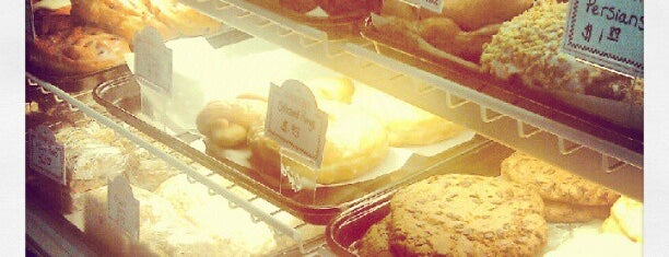 Pine Cone Restaurant is one of Lieux qui ont plu à Jennifer.