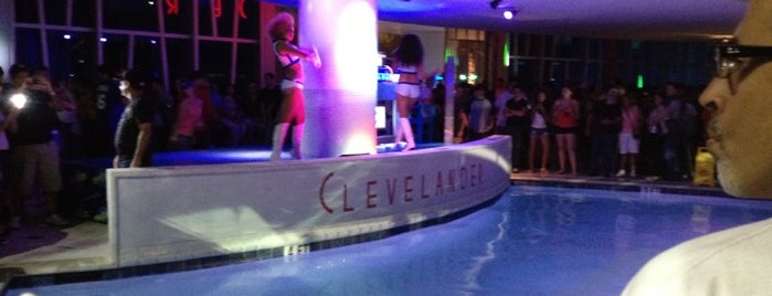 The Clevelander is one of Orte, die Sonia gefallen.