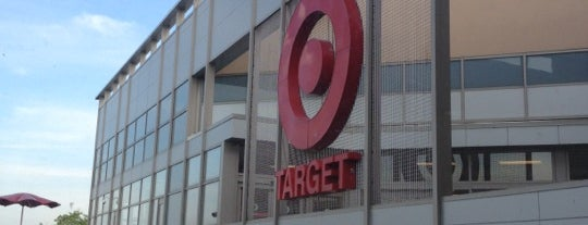 Target is one of Locais curtidos por IS.