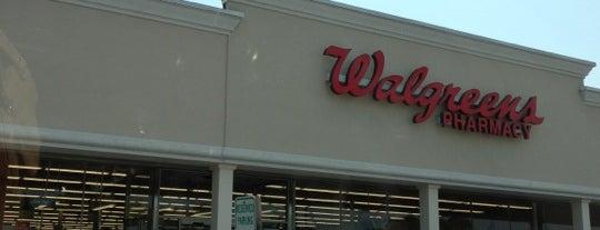 Walgreens is one of สถานที่ที่ Wendy ถูกใจ.